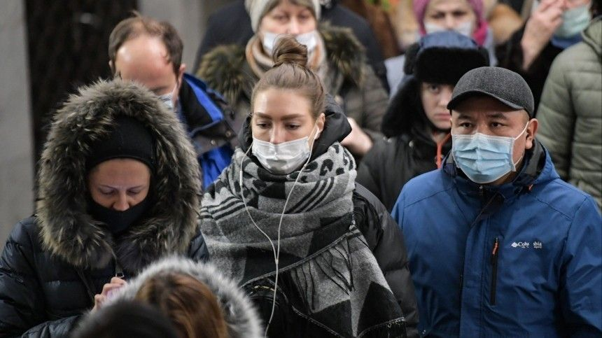 Петербург почти догнал Москву почислу новых заболевших COVID-19 засутки