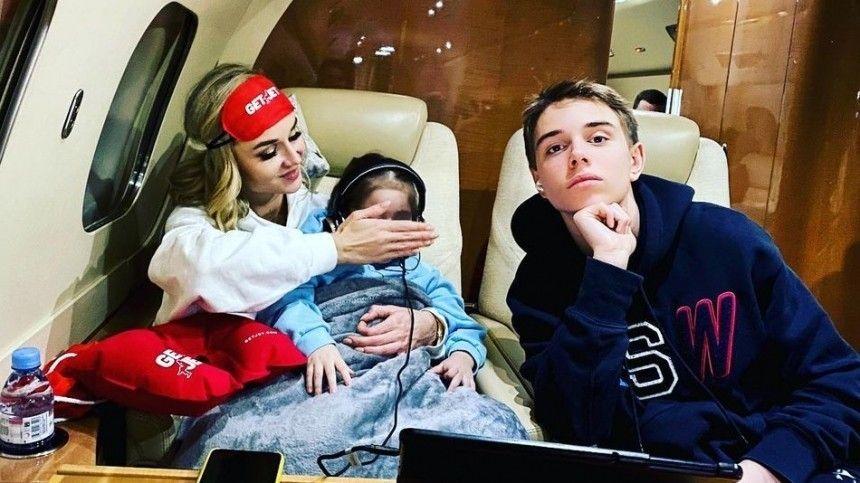 Бывший муж Полины Гагариной объяснил запрет отвозить дочь зарубеж