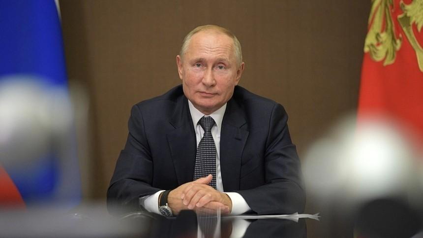 Путин живет наработе спятиминутками наобычную жизнь— Песков