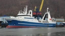 Российское судно с60 рыбаками потеряло ход вОхотском море