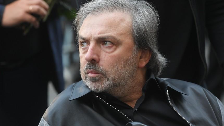 Известного художника-сценографа Бориса Краснова госпитализировали спневмонией