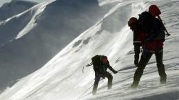 Врезультате схода лавины снегом засыпало шесть коттеджей вКрасноярском крае