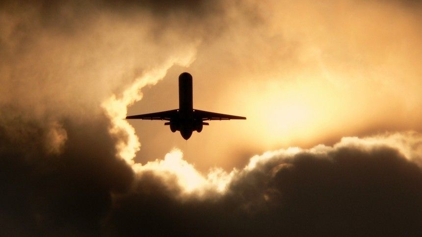 Самолет, вылетевший изДжакарты вПонтианак, пропал срадаров