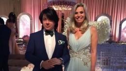 Жена онкобольного Юдашкина показала свадебное фото вчесть 33-й годовщины