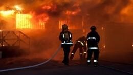 Эксклюзивное видео сместа пожара вдоме престарелых под Тюменью, где погибли 7 человек