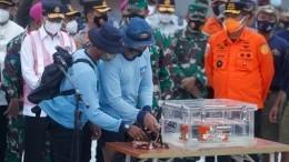 Черный ящик разбившегося индонезийского Boeing 737 подняли содна моря