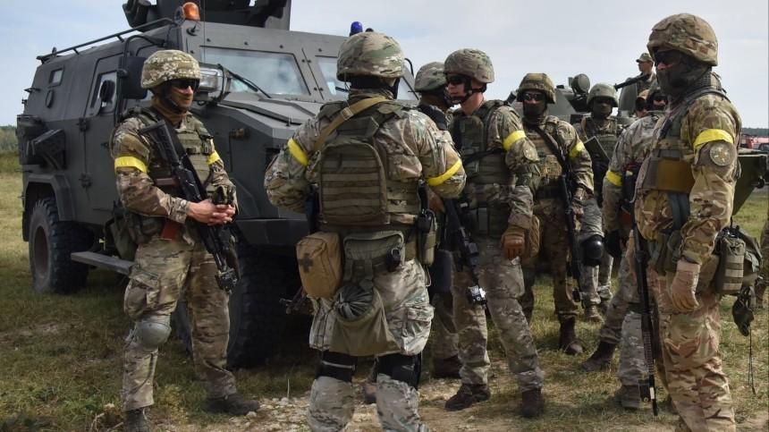 Украинские военнослужащие увольняются изармии после обучения вСША