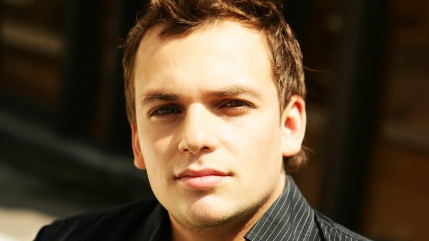«Неберег себя совсем»: всети собирают деньги налечение актера Алексея Янина