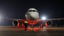 Самолет, летевший изМосквы вСалехард, аварийно приземлился вПетербурге