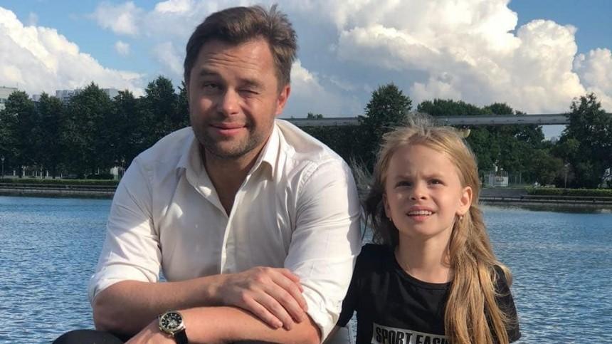 Актер Гогунский рассказал, как его дочь превращают в«золотую антилопу»