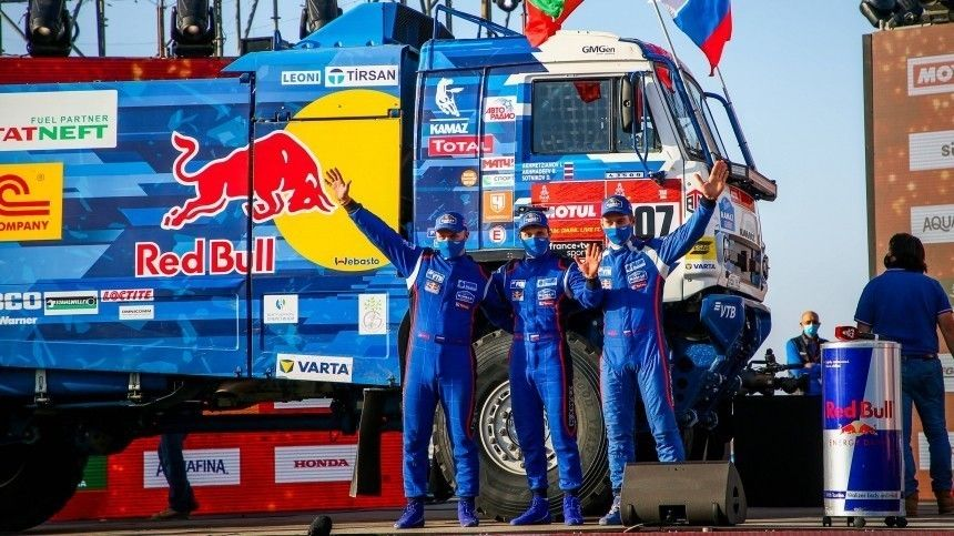 Путин поздравил команду «КАМАЗ-мастер» сочередной победой на«Дакаре»