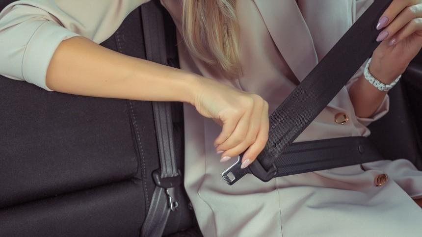 Петербургский таксист-онанист возил пассажиров без прав намашине-призраке