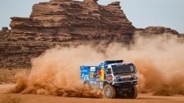 Российские гонщики заняли весь пьедестал победителей наралли «Дакар-2021»