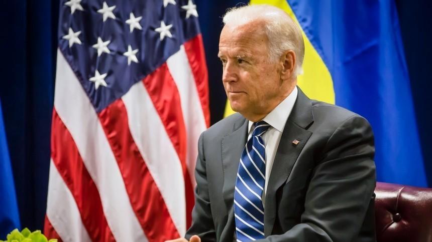 «Один изкозырей»: Пушков заявил, что Байден использует Украину против России