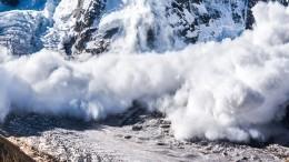 После схода лавины вКЧР неизвестна судьба 20 человек