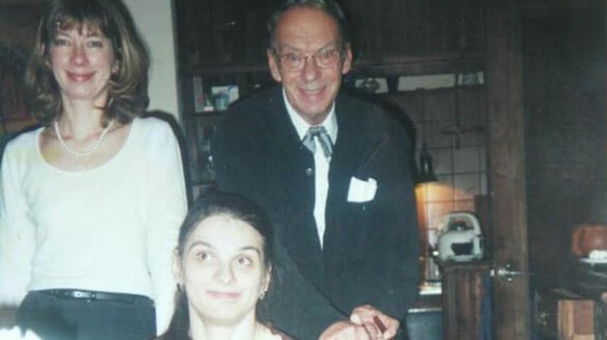 Тяжелобольная дочь Баталова сама отказалась откартин на400 миллионов долларов изархива отца