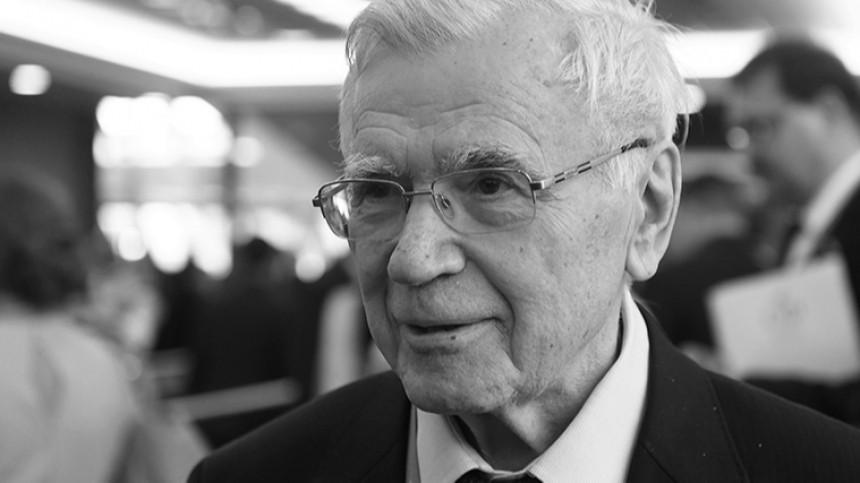 Умер бывший первый секретарь ЦКВЛКСМ, дипломат Борис Пастухов