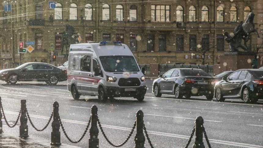 Петербург обогнал Москву почти натысячу инфицированных COVID-19 засутки