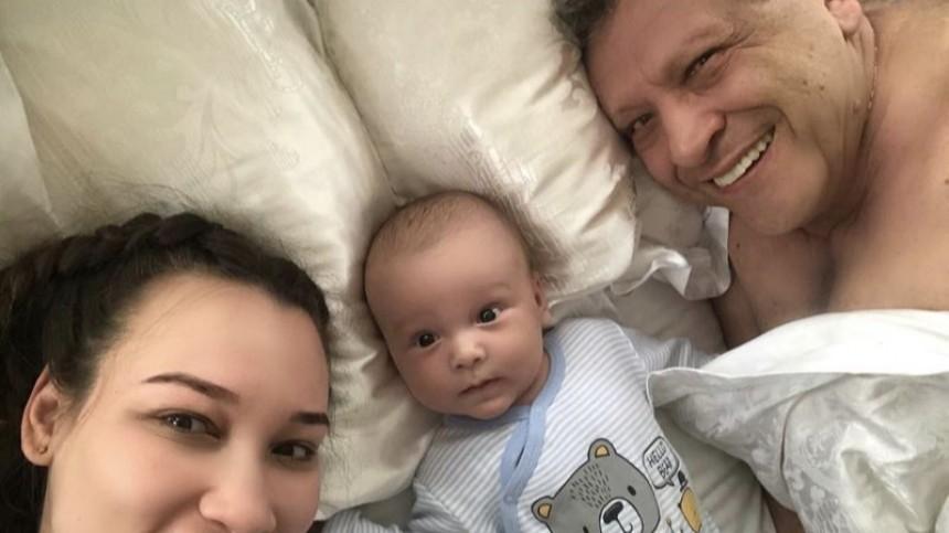 Папина улыбка: вдова Грачевского показала детские фото режиссера исына