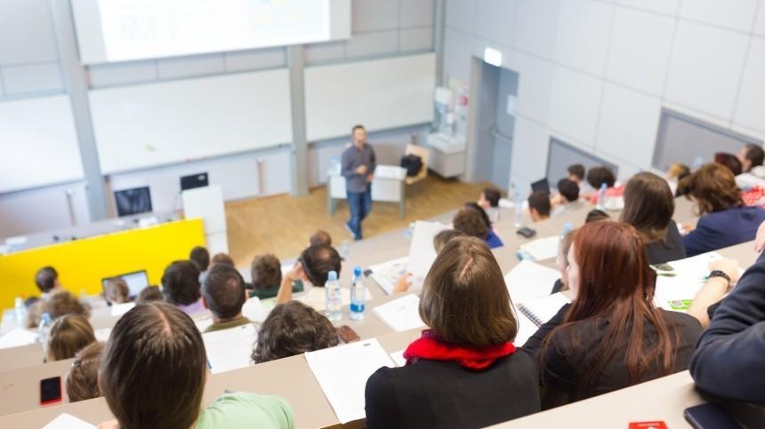 Стало известно, когда столичные вузы иколледжи вернутся кочной форме обучения