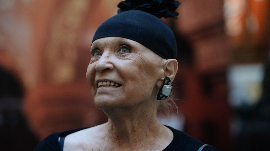 Неузнает друзей: подруга Светличной заявила, что уактрисы развилась деменция