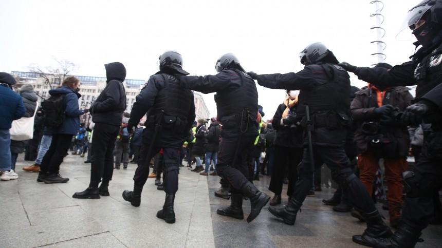 Корректное поведение полицейских нанезаконной акции вМоскве отметили вСПЧ