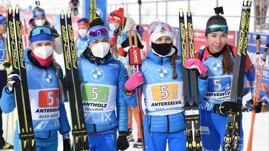 Российские биатлонистки завоевали золотые медали вэстафете наКубке мира