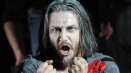 Солиста Мариинского театра едва нерастерзала вооруженная ножом супруга
