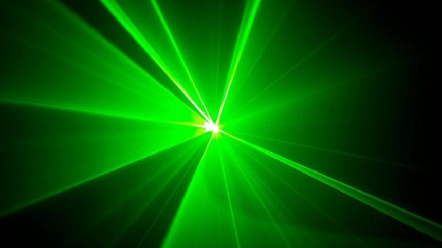 Пилота пассажирского лайнера ослепили лазером при посадке в«Пулково»