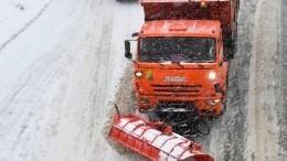 Владивосток утопает вснегу: поугрозой закрытие моста наостров Русский