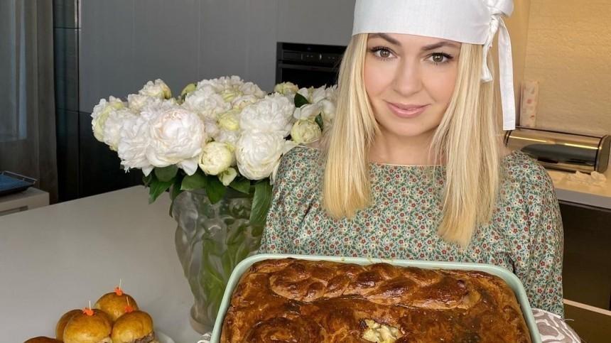 Икра, пирожные исмузи: Как завтракают знаменитости?