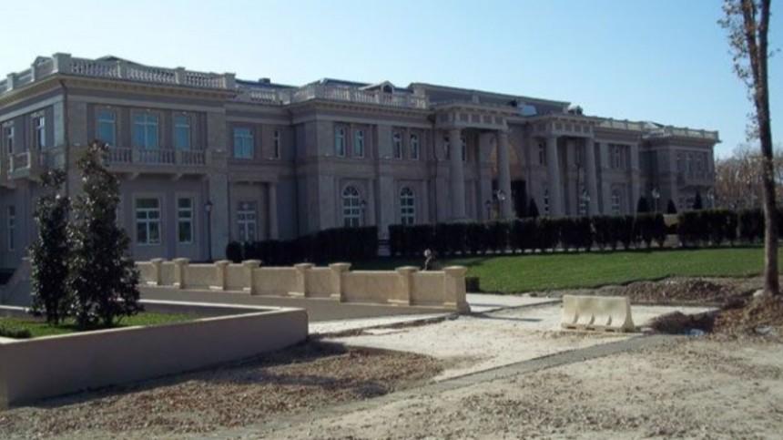 «Один большой бетон»: владелец раскрыл предназначение «дворца» вГеленджике