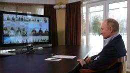 Острые вопросы про «дворец» иуличные акции: как прошла встреча Путина состудентами