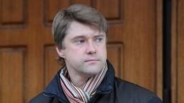 Просит денег: опубликовано видео встречи соратника Навального сбританским дипломатом
