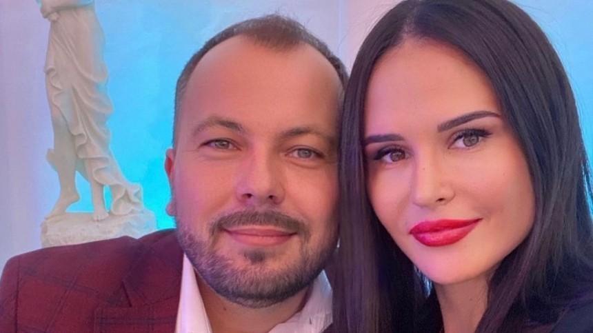 Отколлеги долюбимой: что известно опогибшей вДТП жене певца Сумишевского?