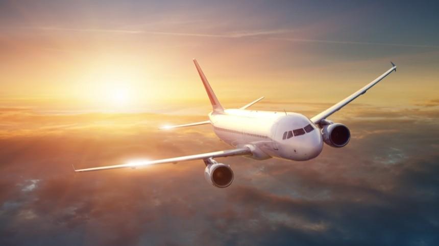 Самолет, летящий изМосквы вАмстердам, подал сигнал тревоги