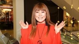 «Приехали меня бить»: Анита Цой рассказала онападении 50 фанатов Виктора Цоя