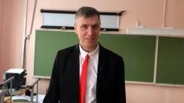 Порешай сомной! 52-летний учитель стал звездой TikTok, придумав хит про тангенс