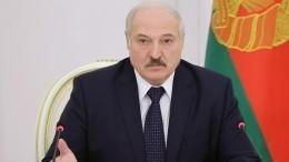 Лукашенко назвал два условия ухода извласти
