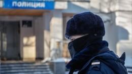 Огненное видео: полицейский спрыгнул вместе смосквичкой сгорящего балкона