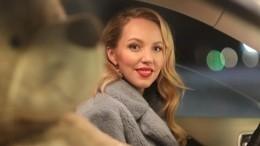 Беременная звезда сериала «Деффчонки» попала вДТП вМоскве
