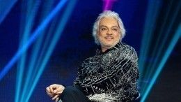 «Похож наЭзопа»: Ургант иГалкин посмеялись над сединой Киркорова