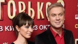 Жена Светлакова объяснила ихсвадьбу в«каторжном» стиле