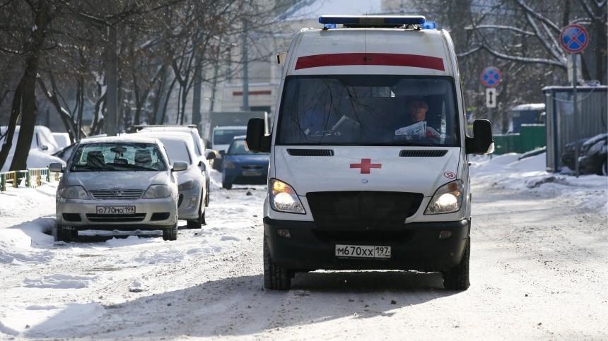 Несколько человек могут находиться под завалами после обрушения ангара вМоскве