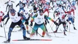 Традиционная гонка «Лыжня России» прошла вгородах страны— видео