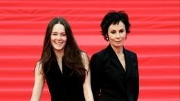 «Одесская мама»: Апексимова сделала свою дочь главной актрисой Театра наТаганке