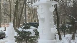 Снежные шедевры: Петербуржец построил изснега копии дворцов искульптур