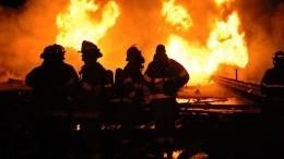 Пожар вНовой Москве привел квзрыву двух резервуаров стопливом