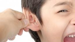 Школьный беспредел: ВБурятии учитель едва неоставила ребенка глухим, дернув его заухо
