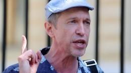 «Пусть сам ищет место»: Барецкий отказался хоронить Соседова накладбище для звезд